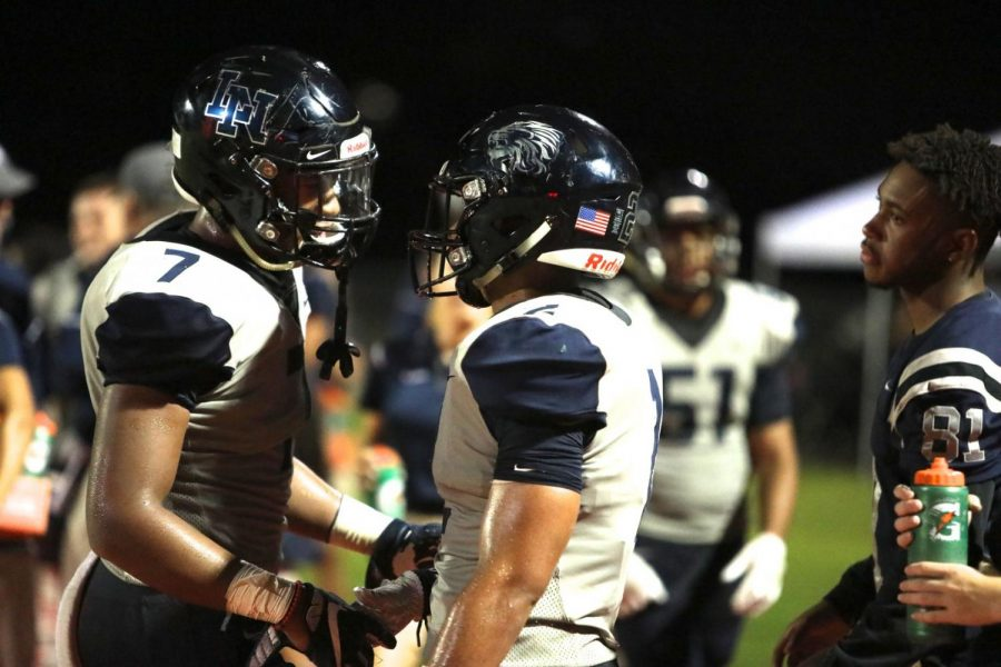 Varsity football put on an offensive show for homecoming