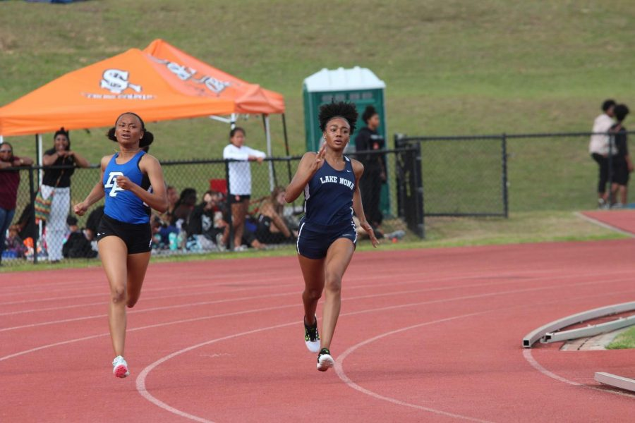 Justyn Smith (10) paces herself in the 400M.